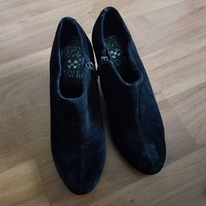 03094fb0b5d Authentic Vince Camuto black booties